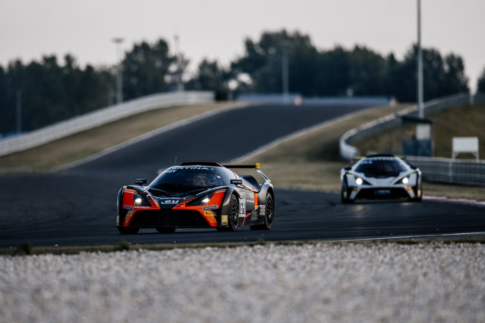 reiter young stars on track nürburgring